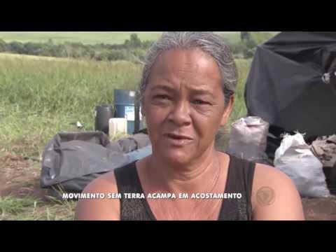 Integrantes do MST acampam em acostamento de rodovia
