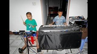 Hai em bé mê nhạc mơ đệm đàn cho Đàm Vĩnh Hưng hát | CHẠM VÀO ƯỚC MƠ số 11
