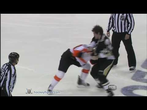 Mike Richards vs Matt Cooke