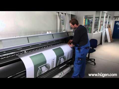 Fahnendruck bei der Firma Hügen in Kaarst / Düsseldorf