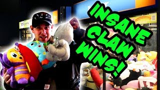 So Many EPIC CLAW MACHINE WINS At WalMart! Playing The Claw And Winning AWESOME PRIZES TeamCC