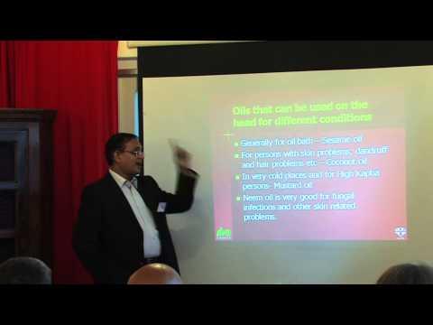 2/5: Ramesh R. Varier: Kräuter und Öle für Erkrankungen von Kopf und Haar
