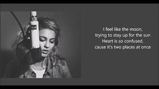 Tori Kelly - 2 Places Lyric Video Live At The Roxy - Video Youtube