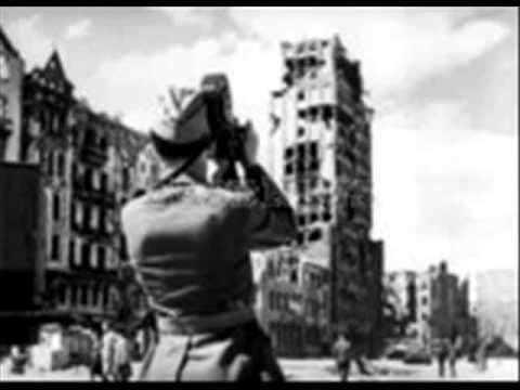 Nokturn warszawski- Janina Godlewska~ Prudential Haus, Odbudowywana & zniszczona Warszawa