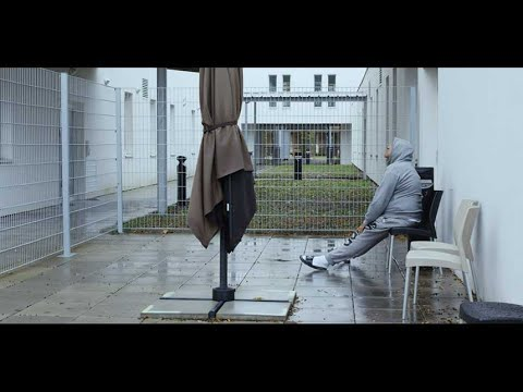 """12 jours"", de Raymond Depardon - bande-annonce"