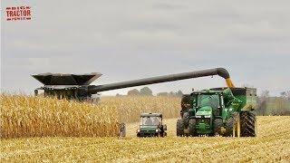 FENDT IDEAL 9T Combine Harvesting Corn