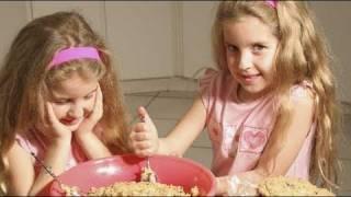 Qué hacer cuando uno de nuestros hijos se porta mal en la comida