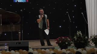 Владимир Глазунов читает стихи в Харькове...