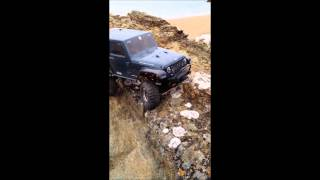 preview picture of video 'Rc Axial Scx10 Rock Crawler Holiday 2014'