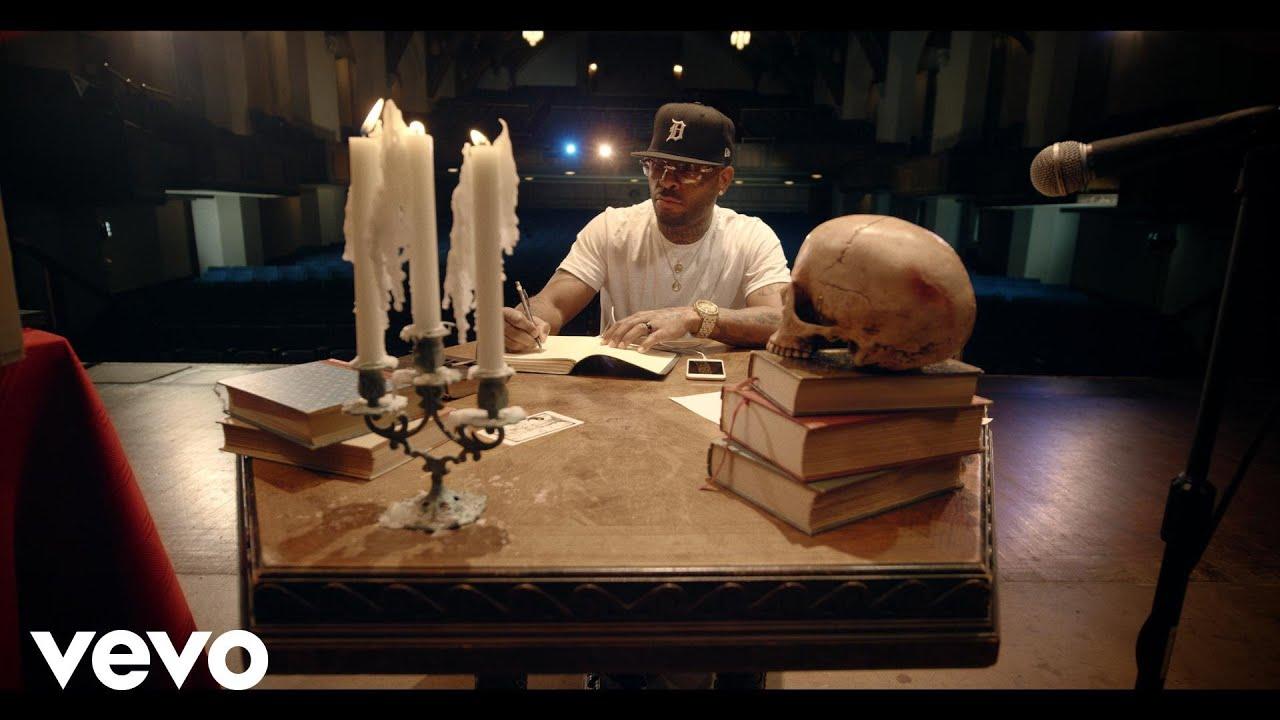 "罗伊斯da 5.'9″ returns with ""Tabernacle"" video"