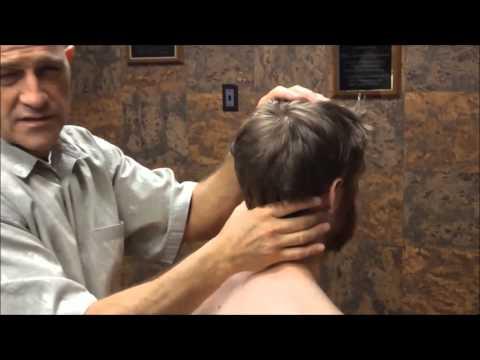 Schmerzen im Rücken eines Nervs