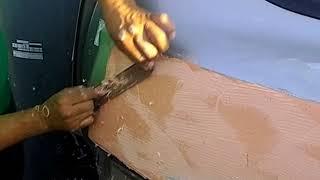 Como reparar el golpe de un carro