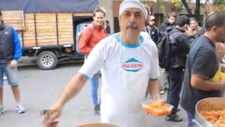preview picture of video 'Brigadas Solidarias Guevaristas- Inundaciones en La Plata'