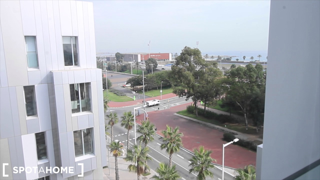 Luxurious 2-bedroom apartment with sea views for rent in Poblenou