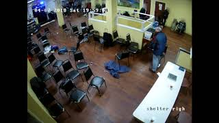 Raw video: Police shooting at SE Portland homeless shelter (Warning: Graphic) - Video Youtube