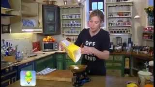 Вкусный рецепт куриного супа с яичной лапшой от Вкусняшек