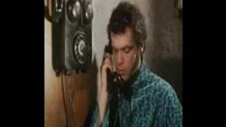 Το τηλέφωνο έχει την wtf έκφραση (από allivegp, 31/07/10)
