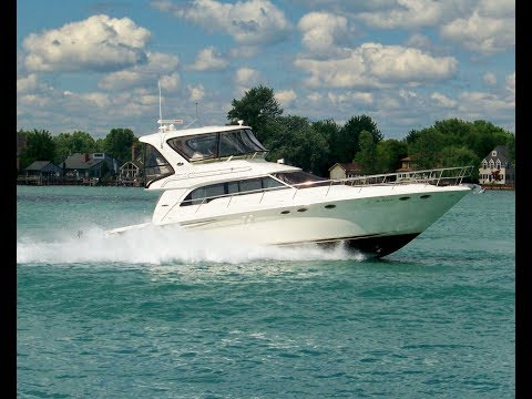 Sea Ray 480 Sedan Bridge video