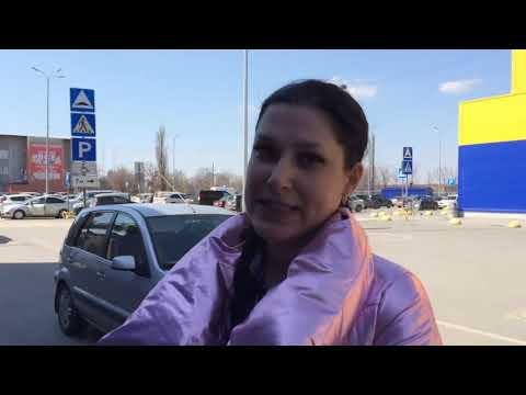 СтопХам Эвакуация на парковки для инвалидов и комментарии нарушительницы у гипермаркета Лента