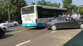 Драка в Алмате ул. Тимирязева Гагарин
