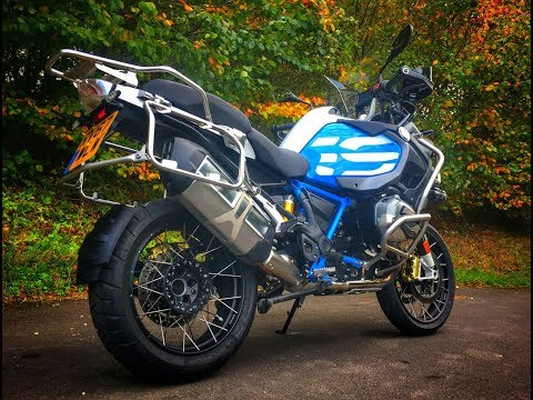 2018 BMW R1200 GS Adventure Review - First look at the TFT screen!
