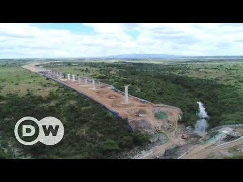Kenya's Standard Gauge Railway routed through Nairobi's National Park | DW English
