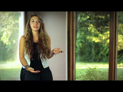 "Lauren Daigle's Story Behind The Song ""How Can It Be"""