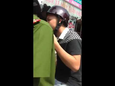 Đánh ghen tưng bừng mừng tháng cô hồn ở phố Trần Bình, Hà Nội