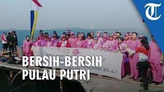 Aksi Bersih-bersih Pulau Putri oleh Bhayangkari Polri Peringati HUT ke-74 Kemerdekaan RI