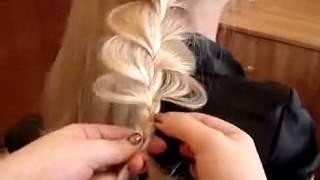 Смотреть онлайн Легкая ажурная коса для любого случая на длинные волосы
