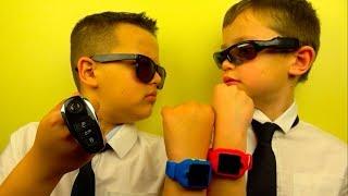 Спецагенты 007 Макс и 009 Ярик выполняют задание в ночном отеле Radisson Blu Kiev