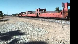 preview picture of video 'BNSF 5490 E and BNSF 6951 E  @ Hanford [HD]'
