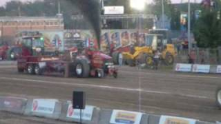 preview picture of video 'NTPA Pullers Tractor , Grand national de St-hyacinthe'