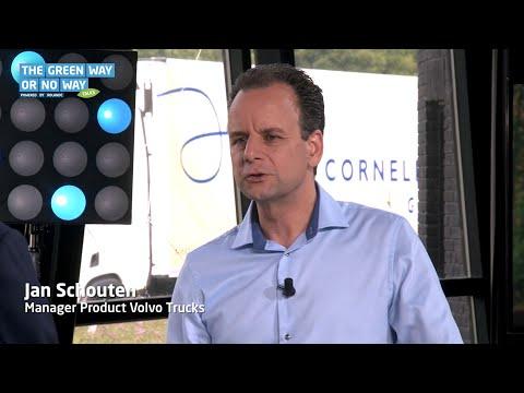 TV- en radiopresentator Roelof Hemmen interviewde voor de Rolande-serie 'The Green Way or No Way' Jan Schouten, Manager Product bij Volvo Trucks Nederland over de LNG-oplossing van Volvo Trucks.