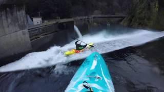 Gambar cover '9R VS. Machno' Truss Little White 2019 Dual-Shred 'Kayak VS. Tele' Trap Bangers