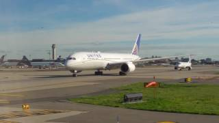 Gorgeous Takeoff! United 737-900 from Newark Airport