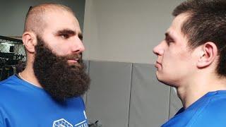 Кавказец vs студент на мясорубке!