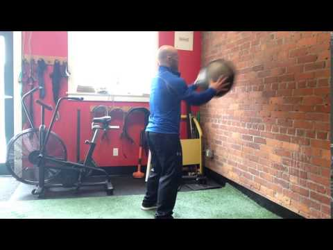 Bonvecstrength.com - Med Ball Chest Pass to Wall