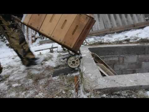 Постановка пчёл на зиму, пасечная тележка.