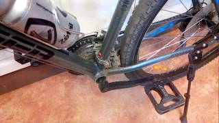 стук щелчки щелчок в педалях в каретке велосипеда