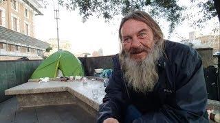 Bezdomny, wędrowiec, pielgrzym, żebrak