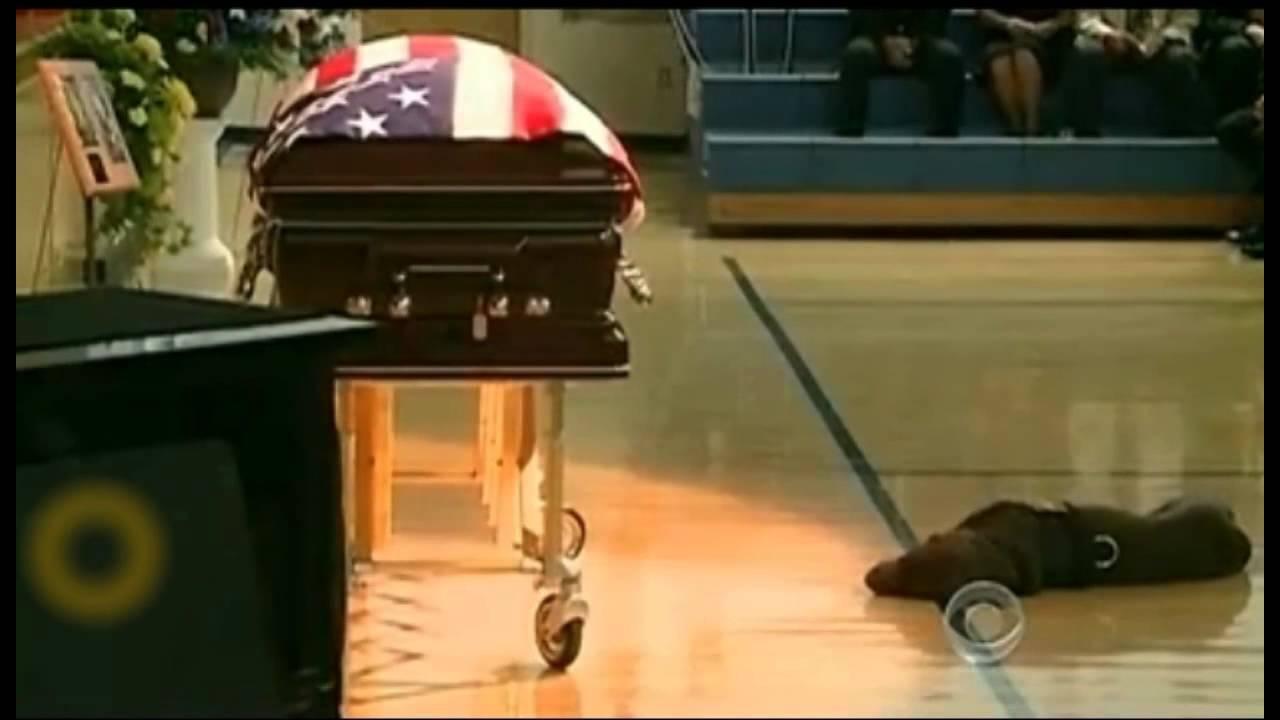 Navy SEAL's Dog Mourns His Fallen Friend