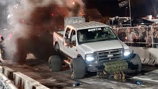 Epic Fail Heavyweight 4x4 Trucks Tug O War