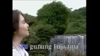 Download lagu Titiek Sandhora Gunung Fujiyama Mp3