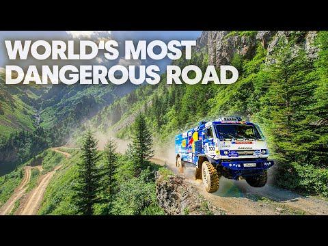 """""""Kamaz"""" prieš """"Ford Fiesta"""" pavojingiausiame pasaulyje maršrute. Pamatykite dvikovą, kurią sunku pamiršti"""