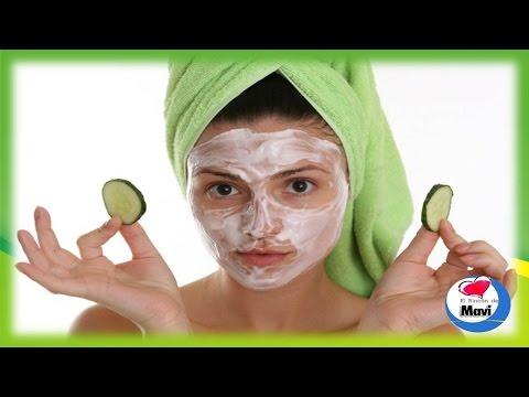 Face mask na may baselina at bitamina E