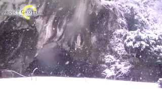 preview picture of video '3 février 2015 : jour de neige sur le Sanctuaire de Lourdes'