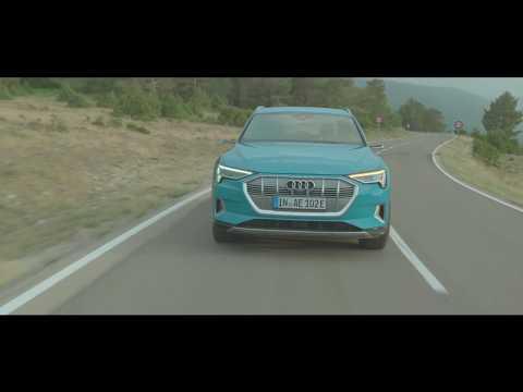 Nouvelle Audi e-tron : silencieusement unique.