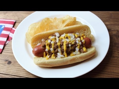 Coney Dogs – Coney Island Hot Dog – Hot Dog with Spicy Meat Sauce
