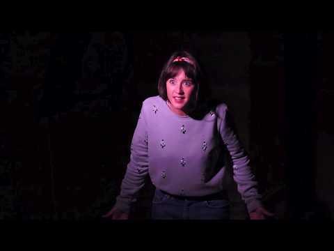 Alice au pays des miroirs : Bande annonce